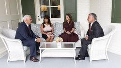Bertemu Ratu Rania, Istri Wapres AS Dikritik karena Bergaun Ketat