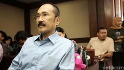 Jejak Fredrich Yunadi dari Drama Bakpao hingga PK di Kasus Novanto