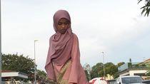 Hijabers Jago Banget Main Bola Pakai Gamis Jadi Viral
