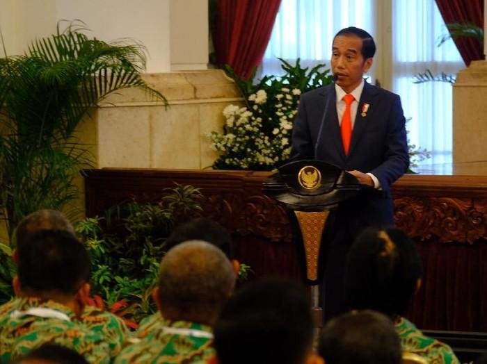 Presiden Joko Widodo menyampaikan pesan kepada para petani supaya membuat korporasi. (Andhika Prasetia/detikcom)