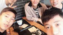 Kulineran ala Lee Yong Pesepak Bola Korsel hingga Asyiknya Khofifah Saat Ngopi