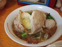 Bakso PWD: Kenyal Gurih, Bakso Urat Isi Daging Cincang yang Populer di Pamulang
