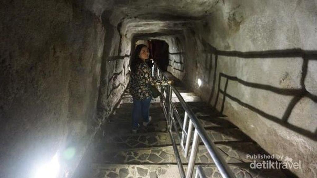Salut! Wisata Sejarah di Bukittinggi Ini Bebas Sampah