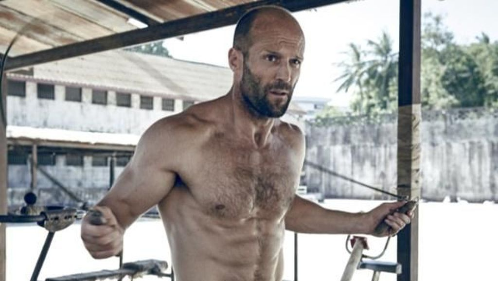 Foto: Lawan Hiu di Film The Meg, Ini Rahasia Tubuh Kekar Jason Statham