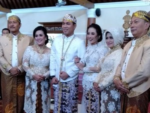 Rizal Armada Resmi Menikah, Ayu Ting Ting-Raffi Ahmad Bareng Lagi
