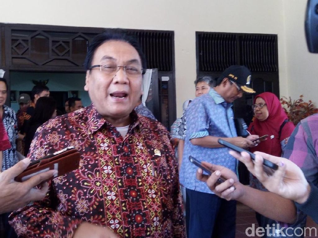PWNU DIY Haramkan Nonton ILC tvOne, Komisi I: Ikuti Undang-undang