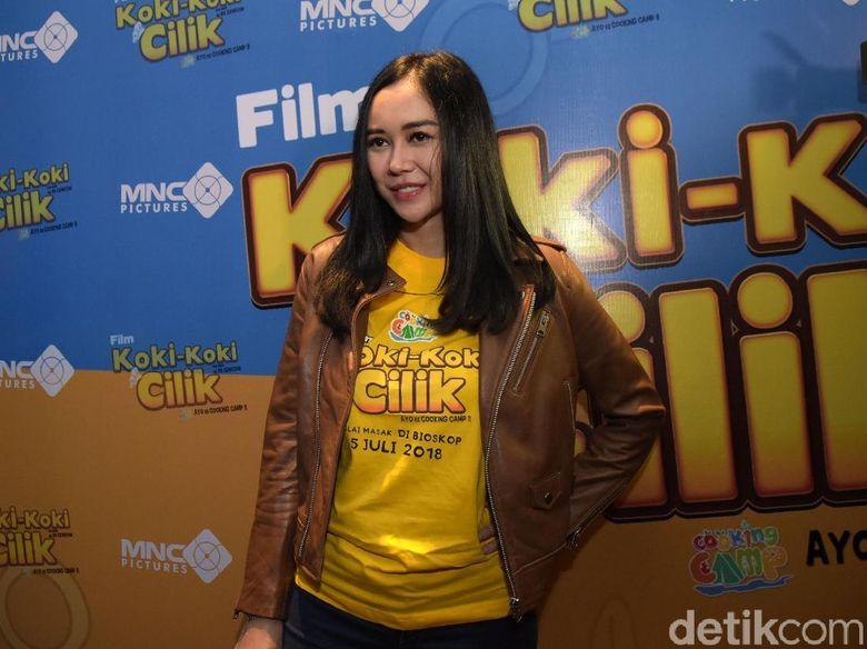 Aura Kasih saat ditemui di gala premiere film Koki-Koki Cilik di Kota Kasablanka, Jakarta Selatan, Kamis (28/6). Foto: Pool/Noel/DetikFoto.
