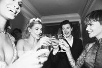 Mesra dengan Justin Bieber, Hailey Baldwin Hapus Foto Shawn Mendes