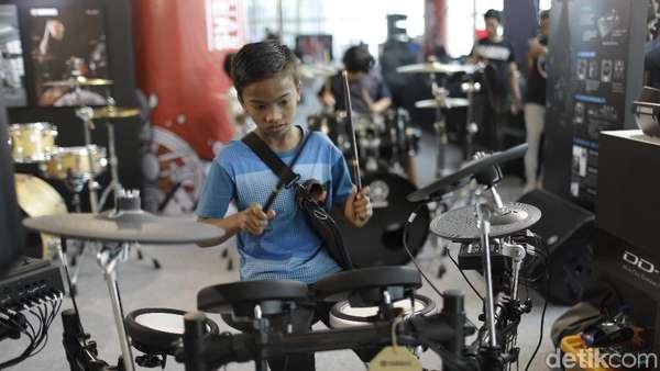 Aksi Drummer Cilik di Kumpul ID