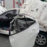 Ngeri, Mobil Ini Meledak Saat Bawa Tabung Gas di Dalamnya