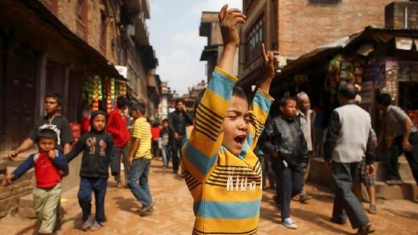 Foto: Sorak dan teriakan akan menggema selama tarik-menarik Rathas. (Navesh Chitrakar/Reuters)
