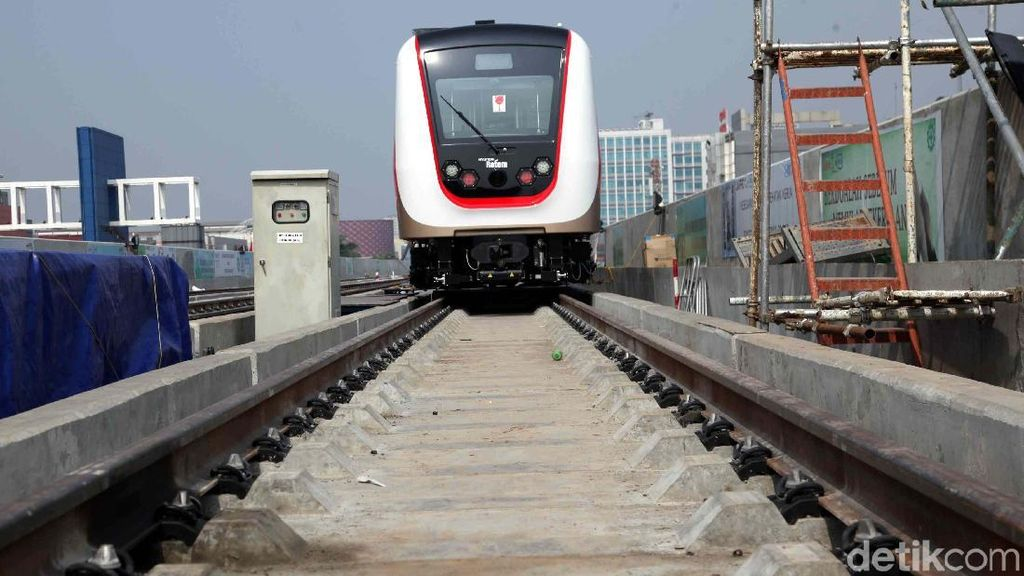 Harga Tiket LRT Jakarta Diusulkan Rp 10.800, Kemahalan?