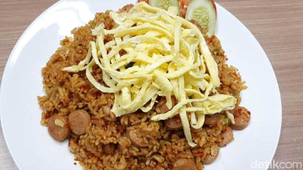 Bikin Nasi Goreng Sosis yang Enak Gampang, Ikuti Saja Langkah Ini