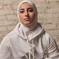 Biar Semangat Olahraga, Intip Gaya Hijab Sporty Atlit Parkour Ini