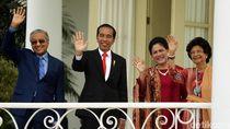 Cerianya Jokowi dan Mahathir Saat Bertemu di Istana Bogor