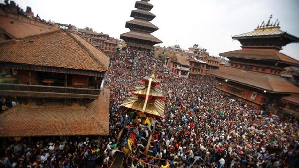 Foto: Ritual ini akan dimulai dari Kota Bhaktapur, Nepal. Tak main-main, festival ini akan berlangsung selama 9 hari penuh. (Navesh Chitrakar/Reuters)