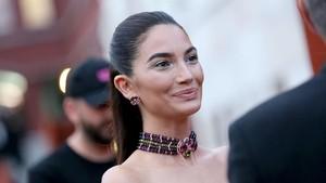 Happy-nya Model Victorias Secret Lily Aldridge Hamil Anak Kedua
