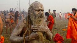 Mengenal Naga Sadhus, Petapa Suci Telanjang di Kumbh Mela