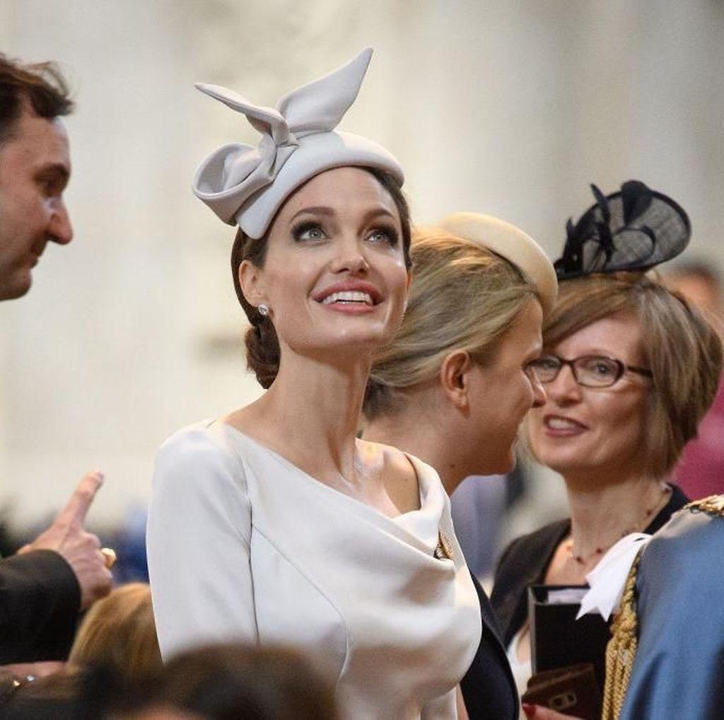 Hancurkan Hubungan Jennifer Aniston-Brad Pitt, Jolie Tak Merasa Salah