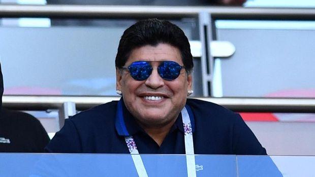 Diego Maradona selalu masuk dalam kandidat pemain terbaik sepanjang masa, bersaing ketat dengan Pele dari Brasil.