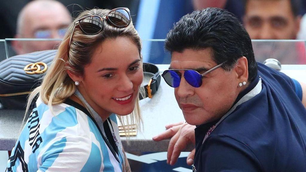 Kasihan Maradona, Diputus Pacar dan Diusir dari Rumah Sendiri