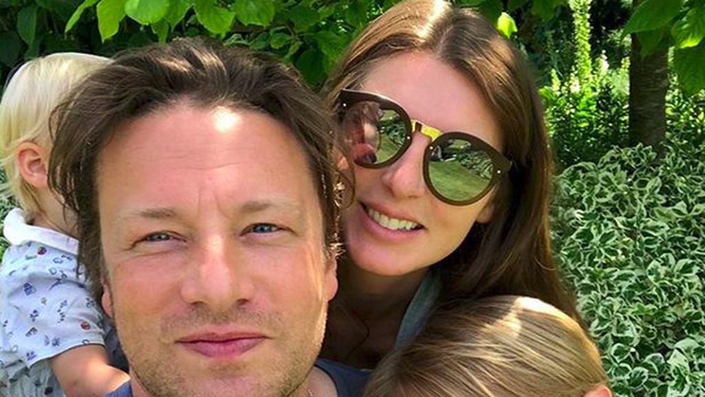 Cerita Jamie Oliver yang Sebut Dirinya A Weekend Parent