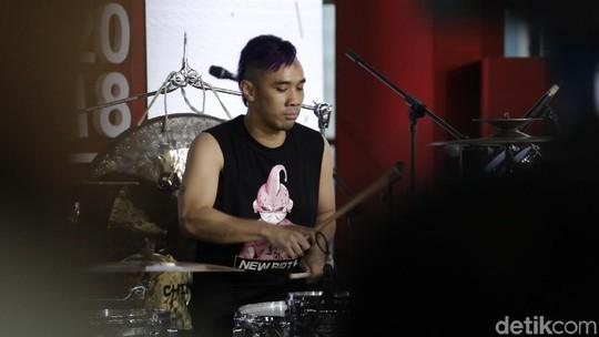 Ikmal Tobing dan Angels Percussion Beri Suguhan Beda di Kumpul ID