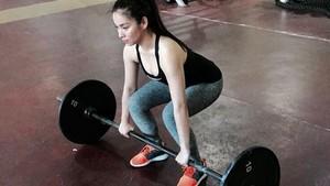 Foto: Intip Pilot Cantik yang Viral Saat Nge-Gym