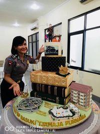Megahnya Kue Ulang Tahun Ahok Dihiasi Seluruh Hasil Kerjanya Untuk Jakarta