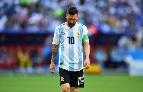Lionel Messi pun jadi sorotan, sebab belum memberikan prestasi bergengsi bagi Argentina. Di umurnya yang sudah kepala 3, sepertinya karir di timnasnya sudah mendekati akhir (REUTERS/Pilar Olivares)