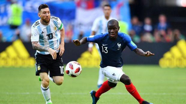 N'Golo Kante jadi incaran klub-klub besar seperti PSG. (