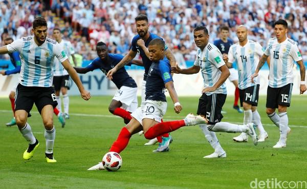 Argentina takluk di tangan Prancis saat lanjutan Babak 16 Besar Piala Dunia 2018. Lionel Messi dkk takluk 4-3 (REUTERS/John Sibley)