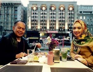 Ini Pose Calon Wakil Bupati Bogor,  Ingrid Kansil Saat Jajan hingga Belanja Salak