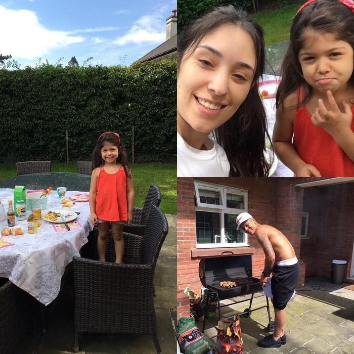 Kalau ini momen Marcos ketika mengisi waktu libur. Ia mengajak istri dan anaknya piknik sambil pesta barbekyu. Foto: Instagram @marcosrojo
