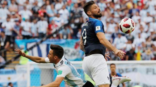 Olivier Giroud tak mampu menyumbang gol namun berhasil mengantar Prancis juara Piala Dunia 2018.