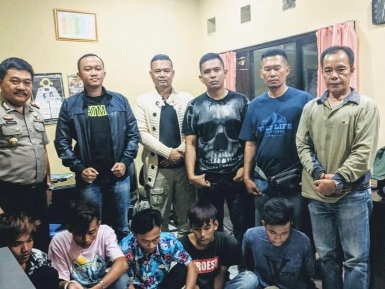 Polisi Tangkap 5 Pelempar Batu Sebesar Helm di Tol Tangerang