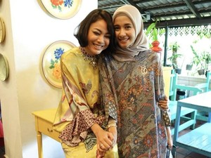 Pakai Baju Batik di Malaysia, Laudya C. Bella Banjir Pujian Netizen