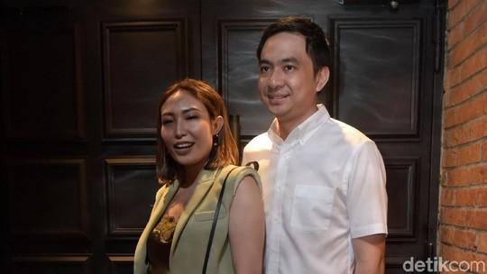 Couple Goals, Ayu Dewi dan Regi Datau