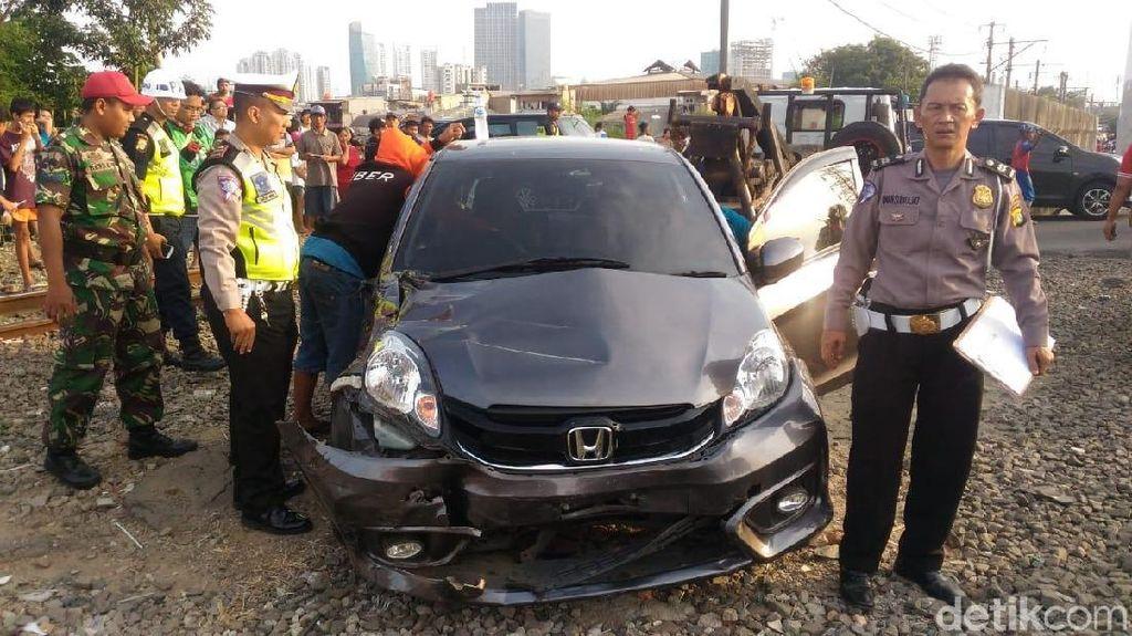 Polisi: Mau Selamat, Beli Mobil yang Mahal