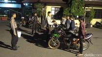Bikers Ini Tertangkap Sedang Balap Liar di Alun-Alun Ponorogo