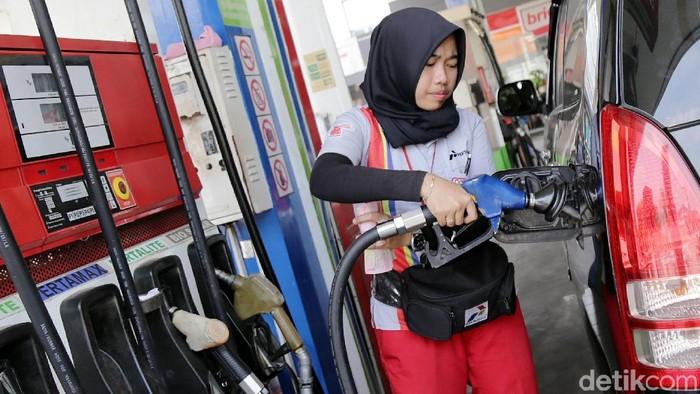 Kalau harga BBM naik, harga makanan biasanya juga naik. (Foto: Agung Pambudhy)
