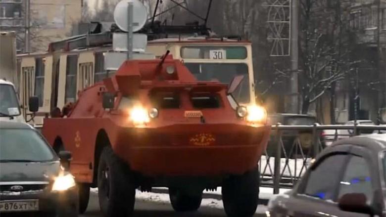 Taksi Panser di Rusia. Foto: Ruptly