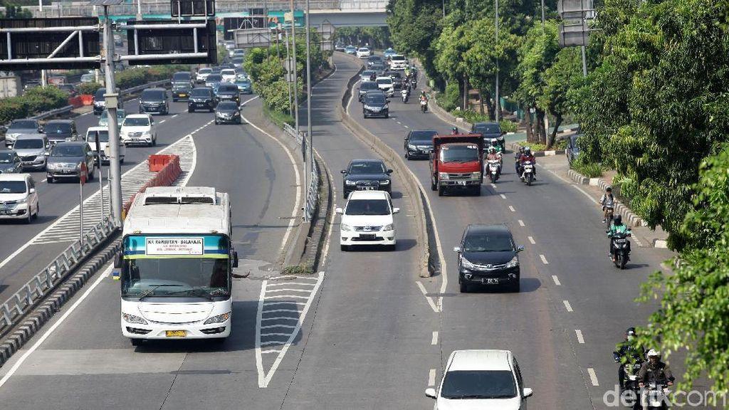 Berapa Banyak Orang Naik Kendaraan Umum saat Ganjil Genap Diperluas?