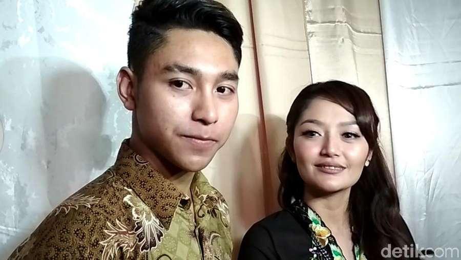 Krisjiana Baharudin, Teman Dekat Siti Badriah yang Lagi Syantik