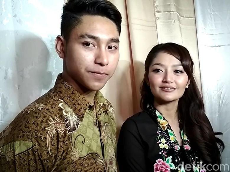 Foto: Siti Badriah dan teman dekat (Hanif/detikHOT)