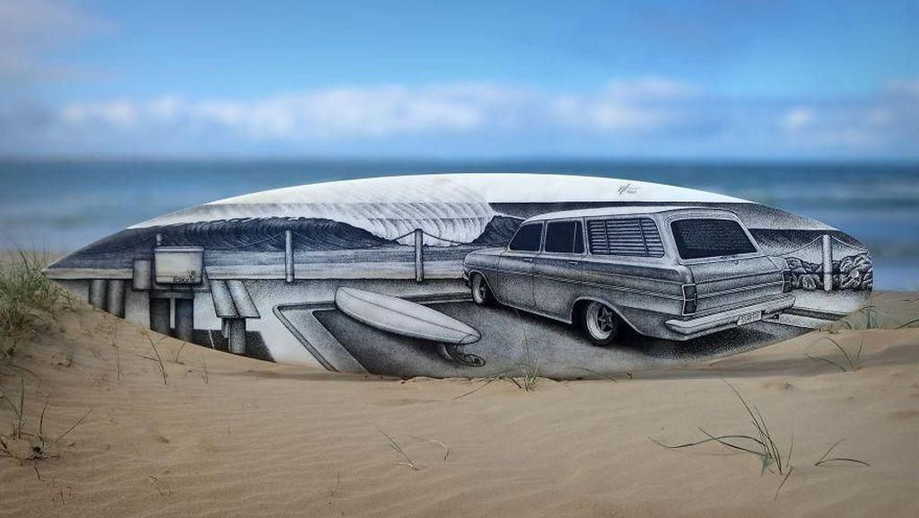 Yuk Intip Kreativitas Seniman Ini Sulap Papan Surfing Jadi Keren dan Unik