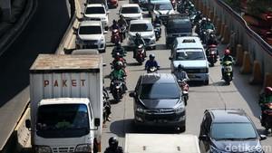 Deretan Meme Kocak Perluasan #GanjilGenap di Jakarta
