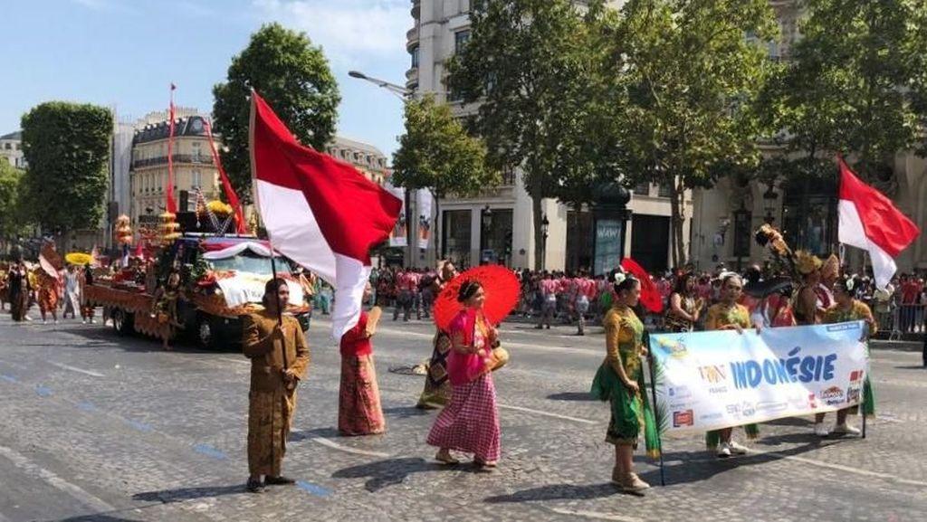 Gamelan & Tari Batik Meriahkan Karnaval Internasional di Paris