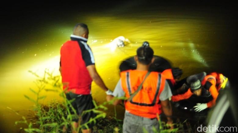 Kaki Mayat Pria Bertato Naga Ditemukan Diikat, Dibunuh?