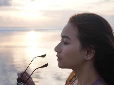 Foto: Gaya Liburan Si Cantik Adzana Bing Slamet